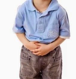 criança com constipação